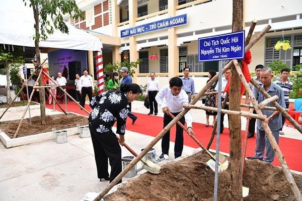 Vietcombank khánh thành trường tiểu học Châu Hòa