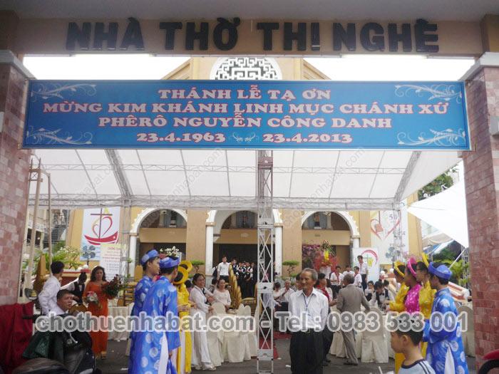 Nhà bạt, dù che Thánh lễ tạ ơn mừng Kim khánh linh mục chánh xứ Phêrô  Nguyễn Công Danh