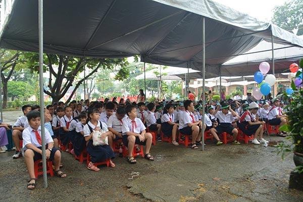 Trường TH Phú Hòa 2 Bình Dương khai giảng