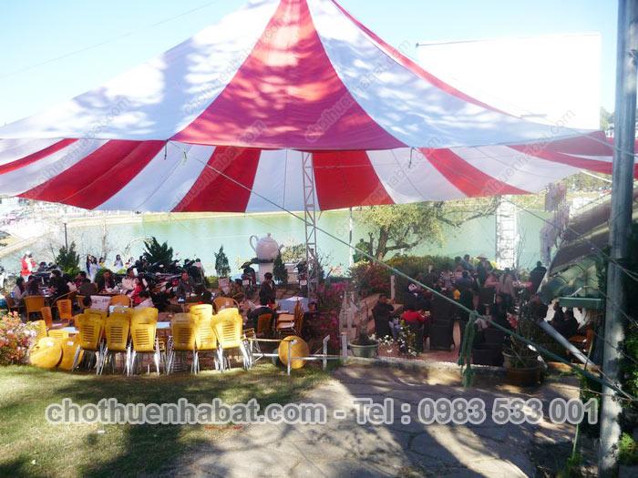 Dù che - Lễ hội Festival Hoa Đà Lạt- Lâm Đồng