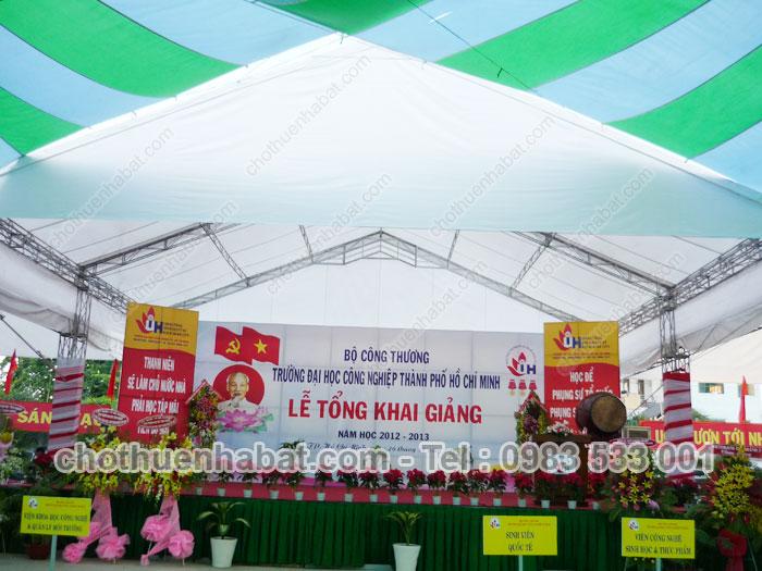 Dù che, nhà bạt trong Lễ tổng khai giảng năm học 2012 - 2013 trường Đại học Công nghiệp TPHCM