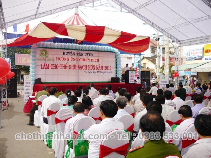 Dù che, nhà bạt cùng Huyện Tân Uyên hưởng ứng chiến dịch Làm cho thế giới sạch hơn 2011